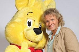 Thomas Gottschalk übergibt Goldbären an Bully