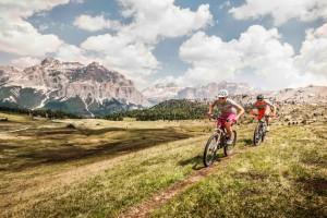 Biker-Paradies inmitten der Südtiroler Dolomiten
