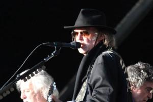Neil Young: Neuer Song gegen Gentechnik