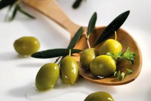 """Drei Epheser-Sets """"Traumpaar"""" mit Olivenöl und grünen Speiseoliven zu gewinnen"""