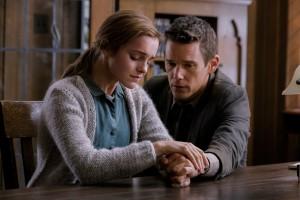 Suspense-Thriller REGRESSION mit Emma Watson und Ethan Hawke