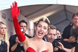 Miley Cyrus wehrt sich und giftet gegen Nicki Minaj