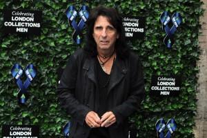 Die 'Hollywood Vampires' rocken für Lemmy