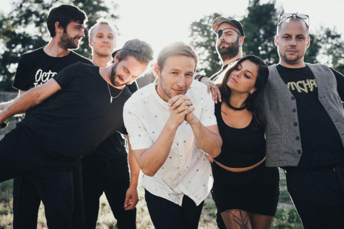 """Gewinne das brandneue Debut-Album """"Truth And Other Lies"""" von Discosaster"""