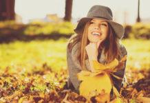 Entspannt im Herbst: Einfache Self-Care-Routinen für zwischendurch