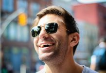 5 Probleme, die nur Brillenträger kennen – und wie man sie löst