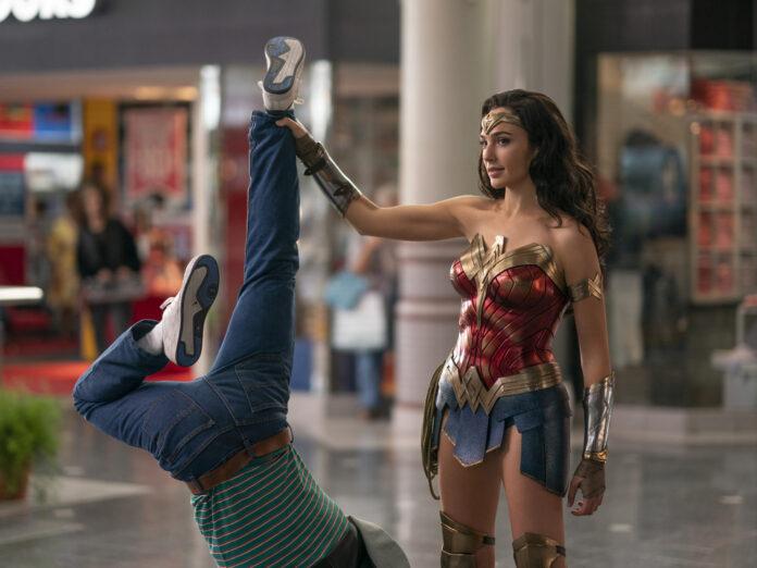 Wonder Woman (Gal Gadot) hat mit einem Schurken leichtes Spiel