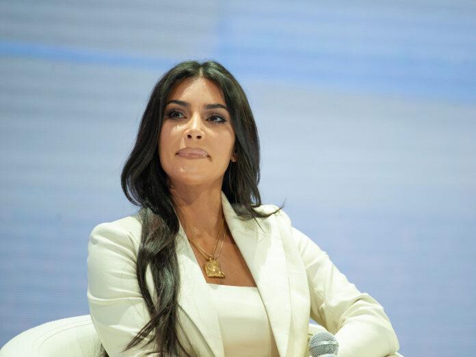 Kim Kardashian lässt sich nach sieben Ehejahren von Kanye West scheiden.