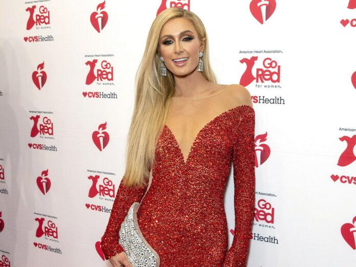 Paris Hilton 2020 auf dem roten Teppich.