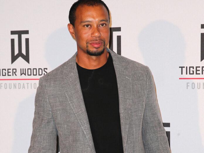 Tiger Woods wird nach seinem Autounfall weiter im Krankenhaus behandelt