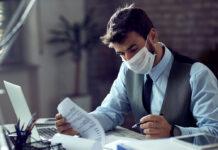 Wann Atemschutzmasken wieder aus dem Büroalltag verschwinden
