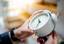 Zweimal im Jahr wird europaweit noch immer an den Uhren gedreht.