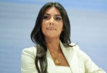 Kim Kardashian wohnt in Hidden Hills mit Sicherheitspersonal.