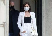 Lady Gaga zieht bei Dreharbeiten in Rom alle Blicke auf sich.