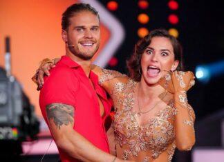 Renata Lusin freut sich sichtlich über ihren Tanzpartner Rúrik Gíslason.