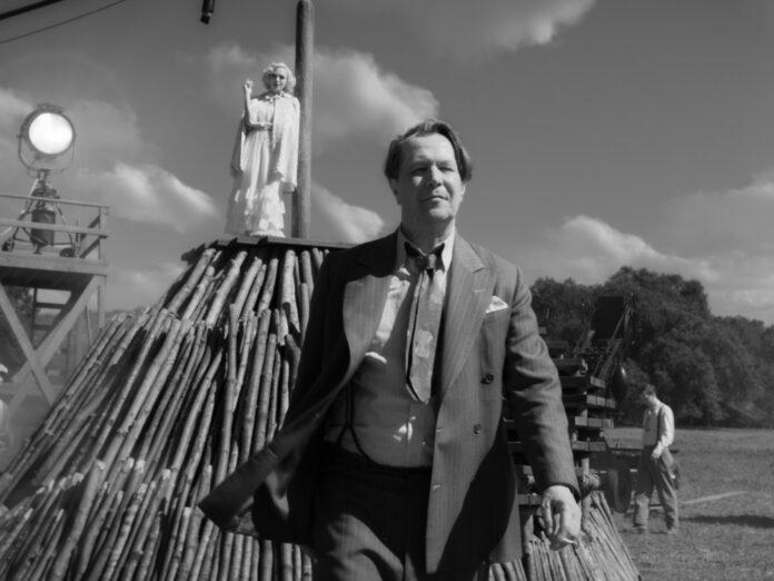 Gary Oldman als Drehbuchautor Herman J. Mankiewicz in