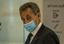 Nicolas Sarkozy während ihm im Pariser Justizpalast der Prozess gemacht wurde.