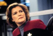 Kate Mulgrew als Captain Janeway