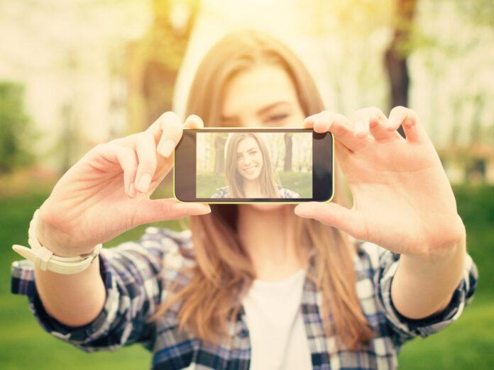 Die richtige App macht aus einem gelungenen Selfie einen noch größeren Hingucker.