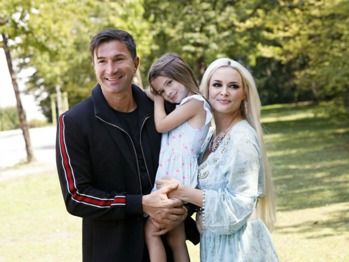 Glückliche Familie: Daniela Katzenberger mit Töchterchen Sophia und Ehemann Lucas Cordalis