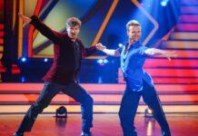 """Nicolas Puschmann (l.) tanzt seit Anfang März mit Vadim Garbuzov bei """"Let's Dance"""" um den Sieg."""