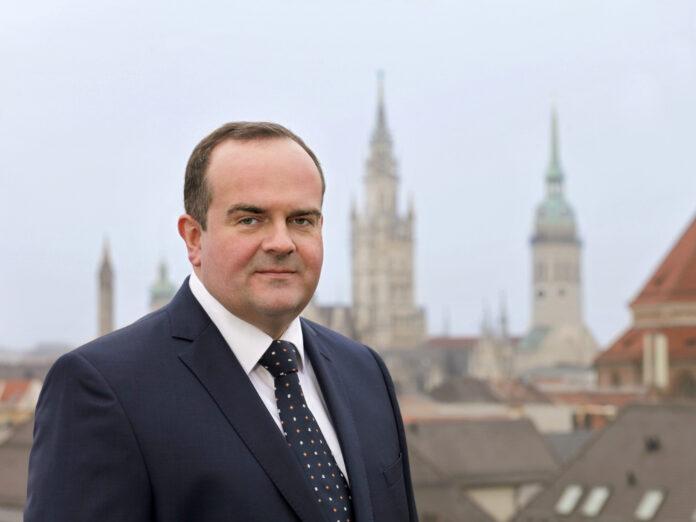 Clemens Baumgärtner ist seit März 2019 Referent für Arbeit und Wirtschaft der Stadt München - und somit offiziell Chef der Wiesn.