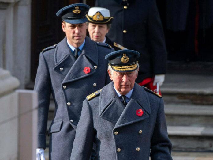 Noch steht Prinz William (l.) in der britischen Thronfolge hinter seinem Vater Prinz Charles.
