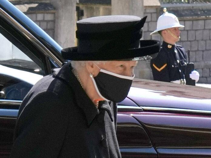 Die Queen auf der Beerdigung ihres Ehemannes Prinz Philip am 17. April.