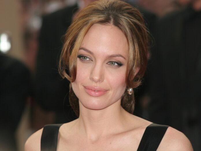 Angelina Jolie ist seit der Trennung von Brad Pitt Single.