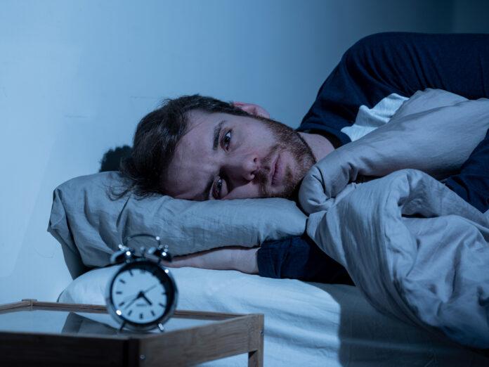 Mitten in der Nacht aufwachen - woran liegt das?