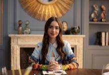 """Lily Collins in der ersten Staffel der Netflix-Serie """"Emily in Paris"""" im Jahr 2020."""