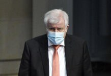 Bundesinnenminister Horst Seehofer hat sich mit dem Coronavirus infiziert.