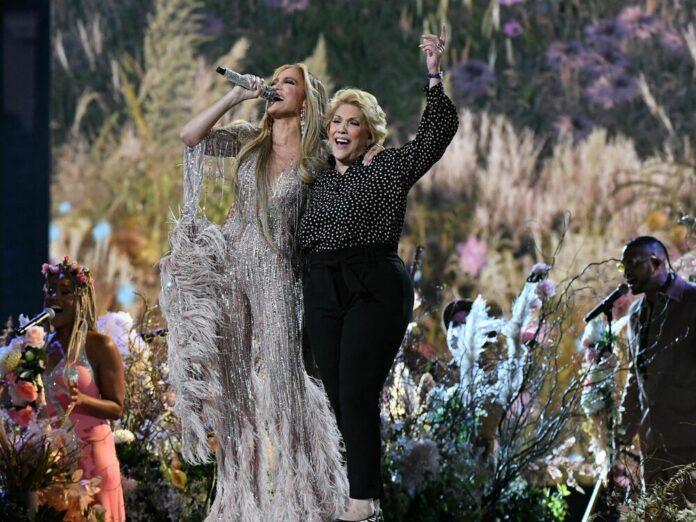 Jennifer Lopez performte mit ihrer Mutter Guadalupe Rodriguez den Song