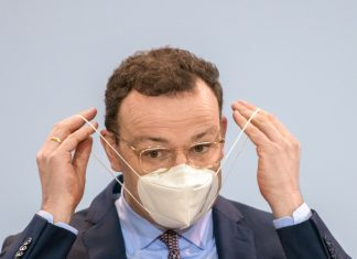 """Jens Spahn hat sich """"bewusst"""" für eine AstraZeneca-Impfung entschieden."""
