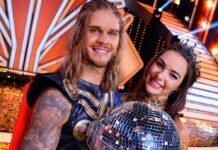 """Rúrik Gíslason gewann zusammen mit Profi Renata Lusin das """"Let's Dance""""-Finale - und tanzt ab November durch Deutschland."""