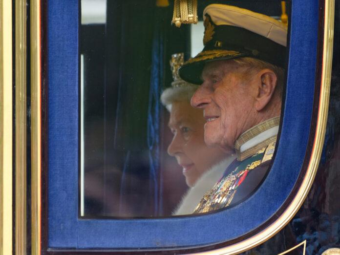 Queen Elizabeth II. und Prinz Philip im Jahr 2013 in London.