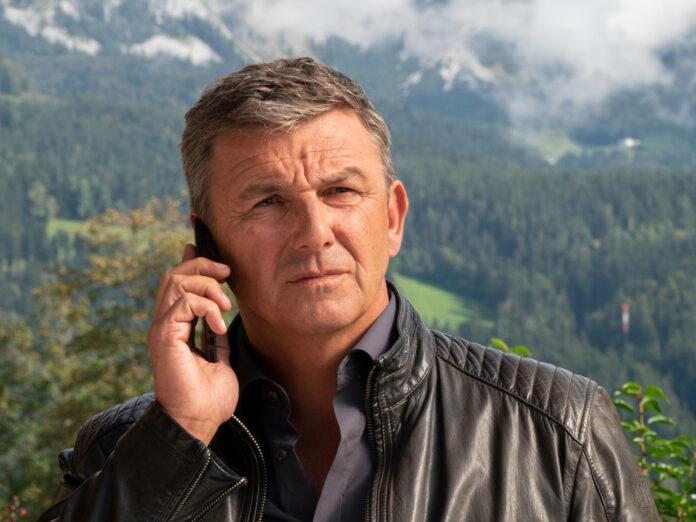 Der Bergdoktor Hans Sigl ist wieder bei der Arbeit