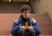 "Maximilian Mundt gibt in ""How to Sell Drugs Online (Fast)"" den Moritz."