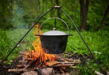 Vor allem leckere Eintöpfe und Suppen lassen sich im Kessel zaubern.