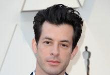 Mark Ronson war von 2011 bis 2018 mit der französischen Schauspielerin Joséphine de La Baume verheiratet.