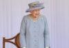 Zum Abschluss entlockten die Musiker der Queen noch ein Lächeln.