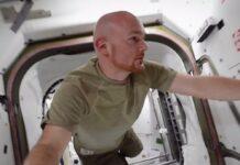 """Astronaut Alexander Gerst führt im Dokumentarfilm """"Wer wir waren"""" durch die ISS."""