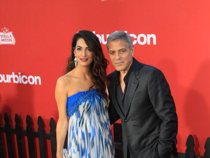Die Babygerüchte um Amal und George Clooney sind falsch.