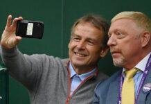 Jürgen Klinsmann (li.) hielt den besonderen Moment mit Boris Becker fest.