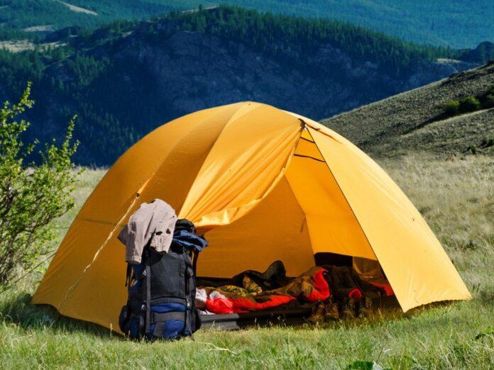 Beim Zelten lässt sich die Natur in vollen Zügen genießen.