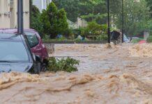 Im Westen Deutschlands verschlang das Hochwasser alles was sich entgegenstellte.