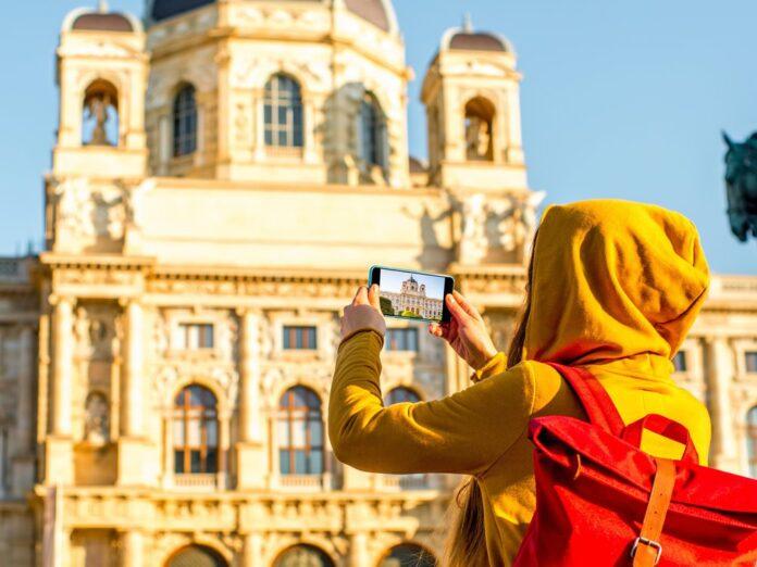 In Österreich können Touristen größtenteils ohne Maske die Städte erkunden.