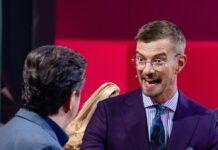 """Joko Winterscheidt (re.) setzte sich gegen seine """"Wer stiehlt mir die Show?""""-Gegner durch."""