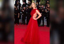 Rosamund Pike in ihrer aufregenden Cannes-Robe.