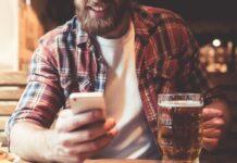 """Mit Apps wie """"Beer Tasting"""" können sich Biertrinker detailreich über ihr Getränk informieren."""